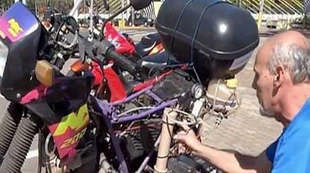 Una motocicletta che fa 500 km con un litro… d'acqua! E' stata inventata in Brasile ecco il video