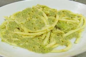 """Pasta """"NCACIATA"""" con i broccoli  – Ricetta siciliana"""