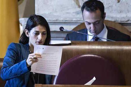 Virginia Raggi: approvato tagli ai costi dei gruppi politici per finanziare 100 assunzioni