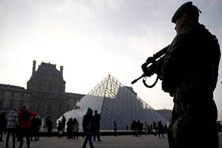 Parigi. Attacco Terroristico al Carrousel du Louvre