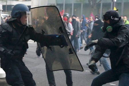 Le Pen Vs Macron. Ad un passo dalle elezioni la Francia è divisa e sotto tensione, scontri per il 1°Maggio