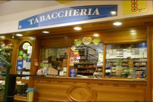 Da oggi le tasse locali si pagano al tabacchino, accordo tra Novares e Kibernetes