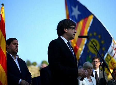 """Spagna.Rajoy revoca l'autonomia alla Catalogna. Puigdemont: """"Attentato alla democrazia"""""""