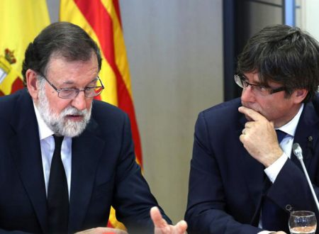 Catalogna. Scaduto l'ultimatum, Puigdemont apre al dialogo. Rajoy: risposta entro giovedì