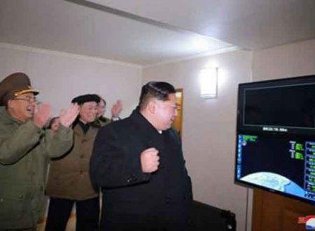 La Corea del Nord sfida il mondo: Kim Jong-Un lancia un missile intercontinentale
