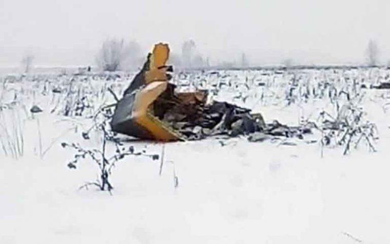 """Mistero sulle cause dell'aereo precipitato in Russia, 71 i morti.  Putin: """"Presto commissione d'inchiesta"""""""