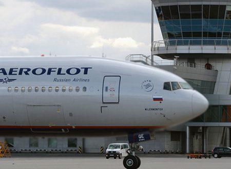 Misteriosa perquisizione su aereo russo atterrato a Londra: per Mosca ennesima provocazione