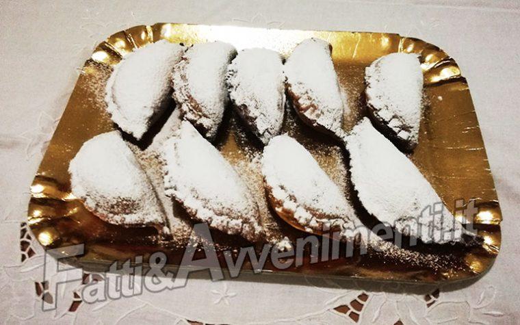Dolci. Ravioli di ricotta siciliani – (Cassatelle siciliane fritte)