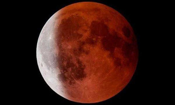 L'alba di oggi ci ha regalato uno spettacolo unico: l'eclissi di luna totale